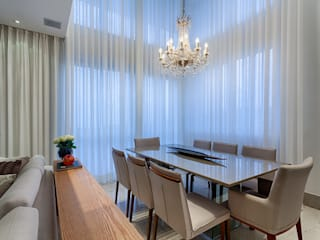 Comedores de estilo  por Emmanuelle Eduardo Arquitetura e Interiores, Clásico