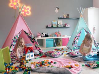 Shooting Photo Pois Multicolores: Chambre d'enfant de style  par s-line.design