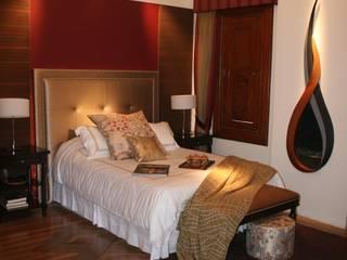 Casacor 2010: Dormitorios de estilo  por Carughi Studio