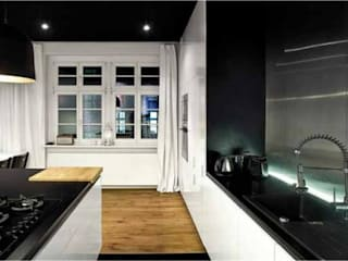 Mieszkanie Industrialne: styl , w kategorii  zaprojektowany przez 2H+ Architekci