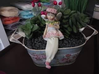 Planta natural em vaso de lata.:   por Maravilhas do Berço Lda