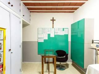 by Anna de Matos - Designer de Ambientes e Paisagismo
