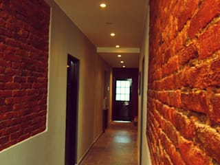 SMarq Rustic style corridor, hallway & stairs