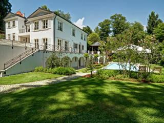 Mondäne Villa am See Mediterrane Häuser von Gerhard Blank Fotografie für Immobilien & Architektur Mediterran