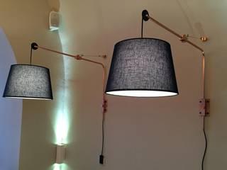 Żuraw kinkiet miedziany: styl , w kategorii  zaprojektowany przez CHOLUJ DESIGN s.c.    / ROKKI design