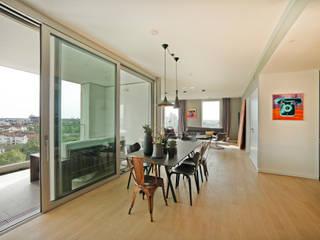 Schwabinger Tor in München Moderne Esszimmer von Gerhard Blank Fotografie für Immobilien & Architektur Modern