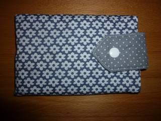Aufbewahrung von Handys: modern  von Hiltrud-123,Modern