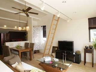 小さい家のアジアン モダンデザインの ダイニング の 房総イズム モダン