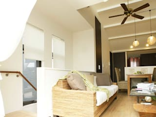 小さい家のアジアン モダンデザインの リビング の 房総イズム モダン