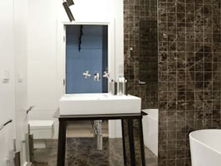 Modern style bathrooms by Modullar Modern