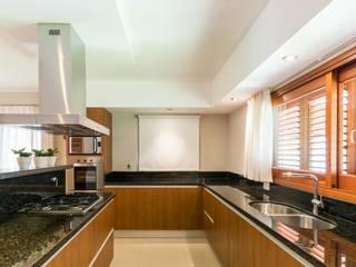 CASA OXIDADA: Cocinas de estilo  por KARLEN + CLEMENTE ARQUITECTOS