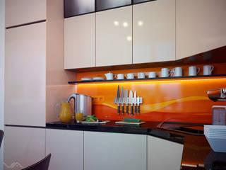Небольшая кухня в Ялте Кухня в стиле минимализм от Василий Сибирцев Минимализм
