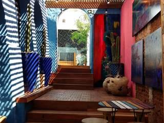 Egzotyczny balkon, taras i weranda od Perotto E Fontoura Estúdio de Arquitetura Egzotyczny