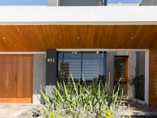 CASA MJ: Casas de estilo  por KARLEN + CLEMENTE ARQUITECTOS