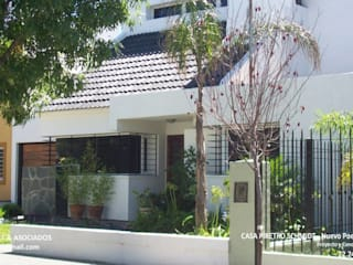 casa en barrio Poeta Lugones - Cordoba - Argentina Casas clásicas de Alejandro Asbert Arquitecto Clásico