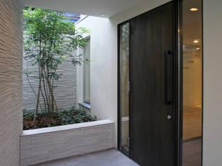 Puertas y ventanas escandinavas de 設計事務所アーキプレイス Escandinavo
