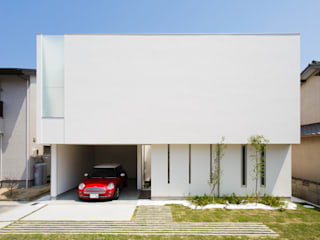 LIGHT COURT HOUSE 北欧風 家 の MITSUTOSHI OKAMOTO ARCHITECT OFFICE 岡本光利一級建築士事務所 北欧