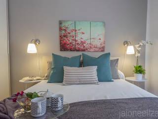 DORMITORIO: Dormitorios de estilo  de jaione elizalde estilismo inmobiliario - home staging