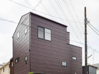 設計事務所アーキプレイス Casas estilo moderno: ideas, arquitectura e imágenes Aluminio/Cinc Marrón