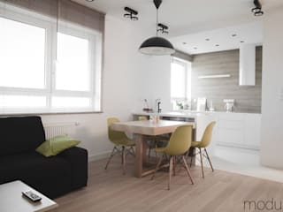 Modern dining room by Modullar Modern
