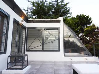 Rumah Modern Oleh Erb Santiago Modern