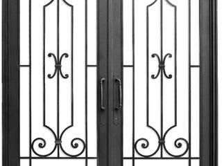 DEL HIERRO DESIGN Casas de estilo clásico Hierro/Acero Negro