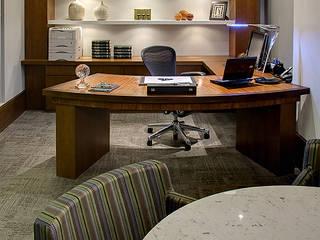 Sala da Advogada titular: Escritórios  por BG arquitetura | Projetos Comerciais