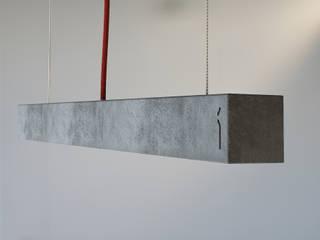 Hº2 - Lampara de Colgar de Concreto LED:  de estilo  por Estudio Indo