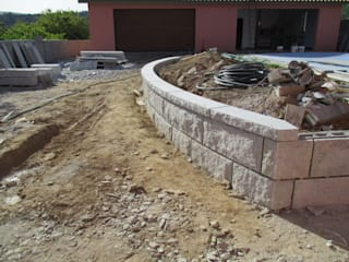 Calçada e muros em Granito: Paredes  por PaviCalçadaS,Rústico