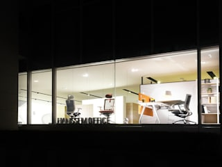 HANSSEM OFFICE SHOWROOM / BANPO 모던 스타일 전시장 by creative 4 모던