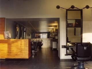 Oficinas y Tiendas de estilo  por bv Mathieu Bruls architect, Moderno