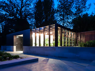 Itchen Greenhouse: minimalistic Garage/shed by Ayre Chamberlain Gaunt