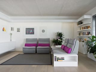 Modern living room by Margherita Mattiussi architetto Modern