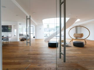penthouse pur Minimalistische Wohnzimmer von roomanddesign.com | Florian Stefan Schafhäutl Minimalistisch