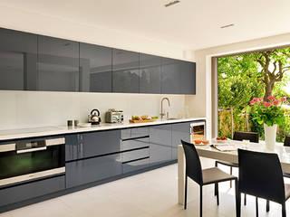 David Haugh Bespoke Handmade Kitchnes: modern  by David Haugh Bespoke Kitchens Design, Modern