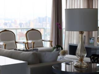 APARTAMENTO ACLIMAÇÃO: Salas de estar  por MR18 Arquitetura   Interiores,Moderno