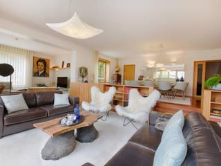 Casa em Leça da Palmeira: Salas de estar  por SHI Studio, Sheila Moura Azevedo Interior Design,Eclético