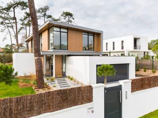 Maison M: Maisons de style de style Moderne par ATELIER FABRICE DELETTRE