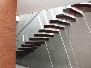 CASA SL107 Pasillos, vestíbulos y escaleras minimalistas de iarkitektura Minimalista