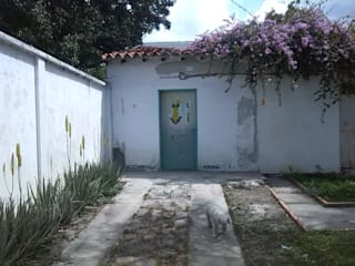 Proyecto de Remodelacion para un Local de  Barberia en un local Abandonado:  de estilo colonial por Arq. Alberto Quero, Colonial