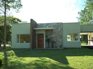 Casa Romero Morgan - Resistencia Chaco: Casas de estilo  por Arq.Rubén Orlando Sosa