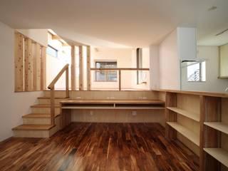 Scandinavian style dining room by 加門建築設計室 Scandinavian