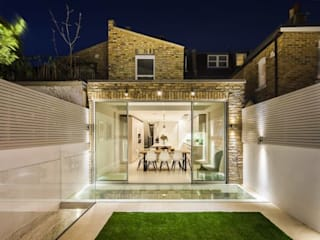 Campana Road Project Modern style gardens by MDM GLASS LTD Modern