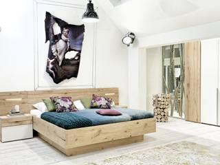 Straight from the Milano Design Week 2016: Salone del Mobile: Dormitorios de estilo  de Imagine Outlet