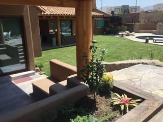Casa sustentable en Chicureo: Jardines de estilo mediterraneo por Arquiespacios