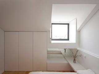 obra final - interior: Quartos  por Ricardo Caetano de Freitas | arquitecto,Minimalista