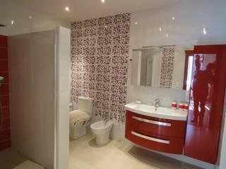 Baños de estilo  de FiveStars Rénovation, Moderno