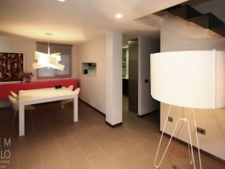 PISO PARA UNA CHICA JOVEN EN FIGUEROLES, CASTELLON Comedores de estilo moderno de Gemmalo arquitectura interior Moderno