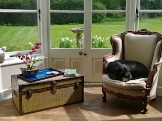 Period property near Ashford Classic style living room by Bandon Interior Design Classic