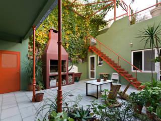 Jardines de estilo  por Pop Arq